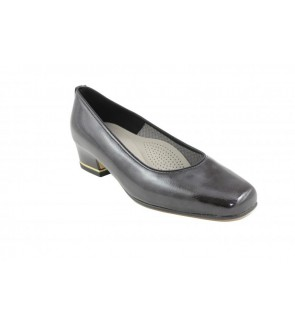 Ara shiny lack night pump
